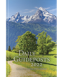The cover of Daily Guideposts 2022