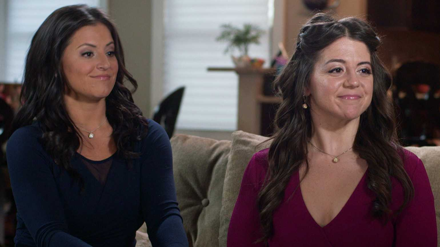Jen Bricker (right) with her sister, former Olympic gymnast Dominique Moceanu