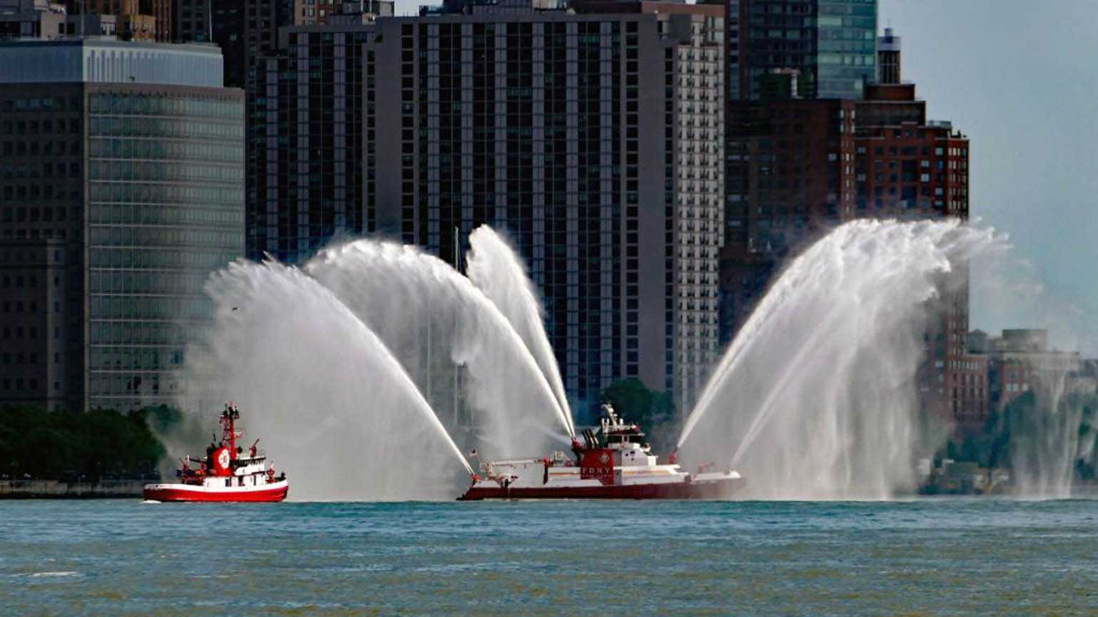 This NY Fireboat Saved Hundreds of People on 9/11