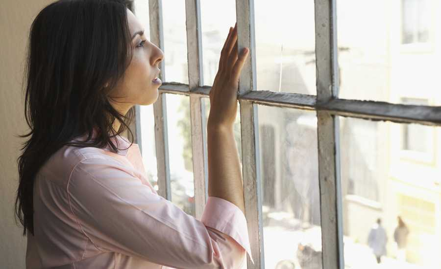 lonely woman overcomes loneliness with God