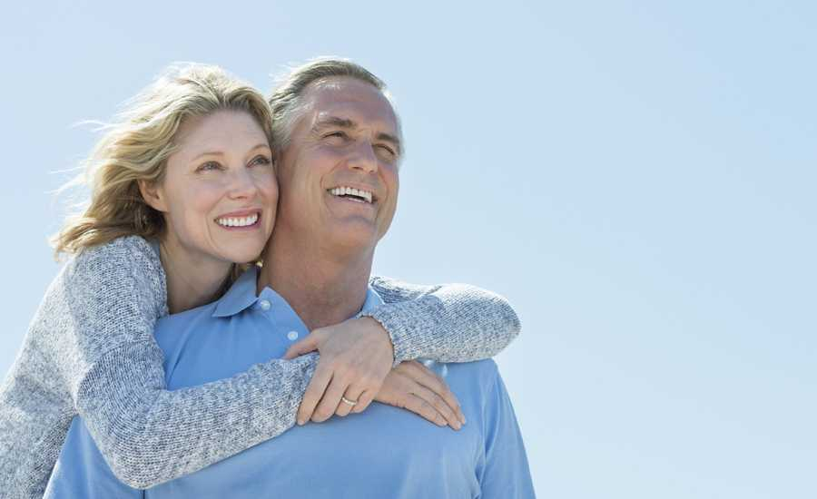 3 Easy Ways to Fall in Love with Your Spouse Again   Guideposts