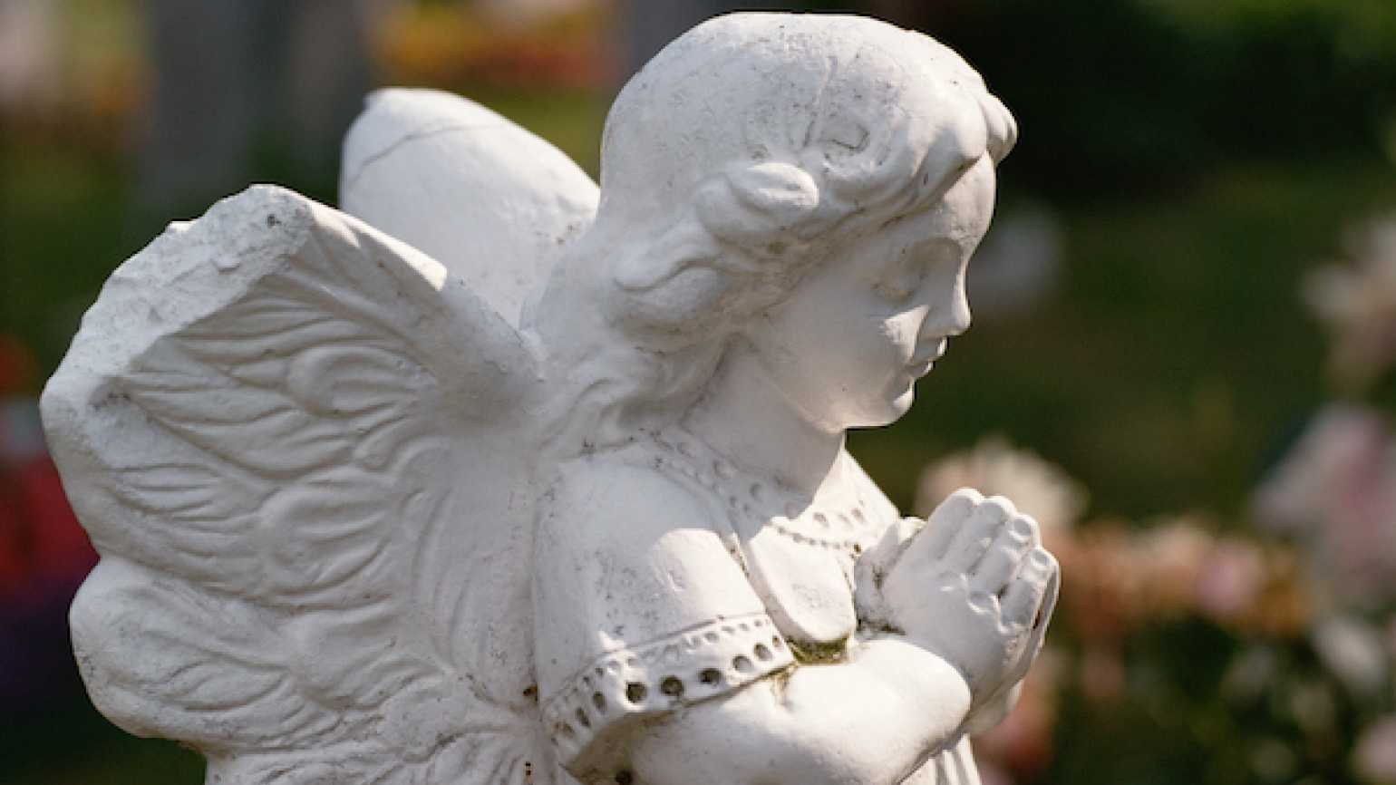 An early morning nudge from a guardian angel saves a family from a house fire.