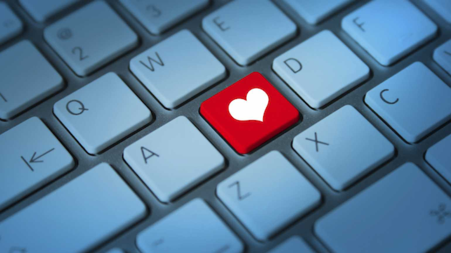 Online dating–is there mystery and romance in it?