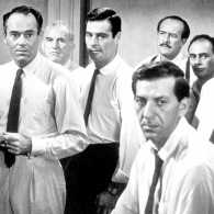 Henry Fonda, Jack Klugman and the other jurors from 12 Angry Men