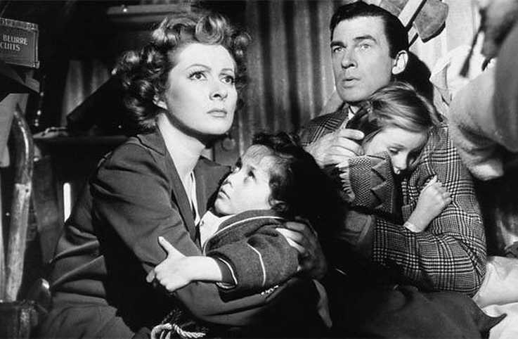 Greer Garson and Walter Pidgeon in a scene from Mrs. Miniver