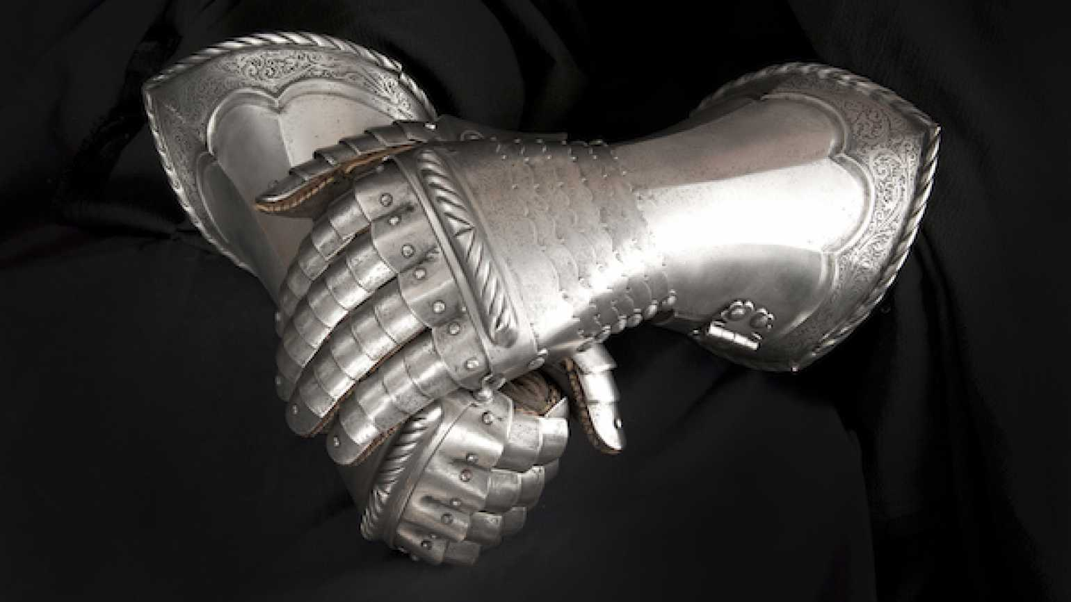 God's armor available to all, soldier and civilian alike.