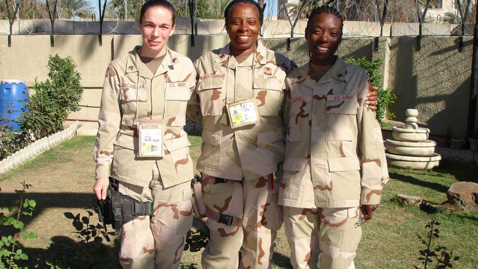 Lt. Col. Evelyn Smith-Florence, U. S. Army (Ret.--center), mother of Guideposts editorial coordinator T. J. Barber