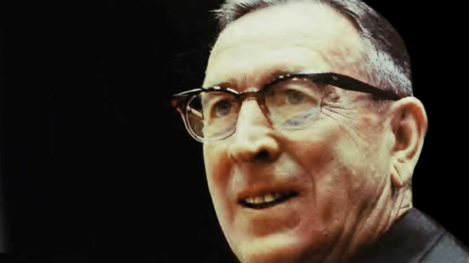 Hall of Fame college basketball coach John Wooden