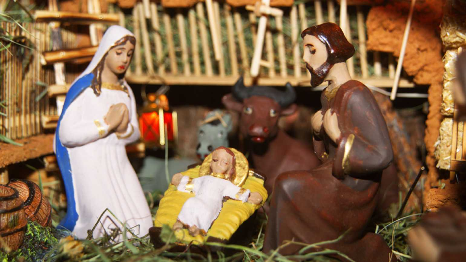 Guideposts: A home nativity set