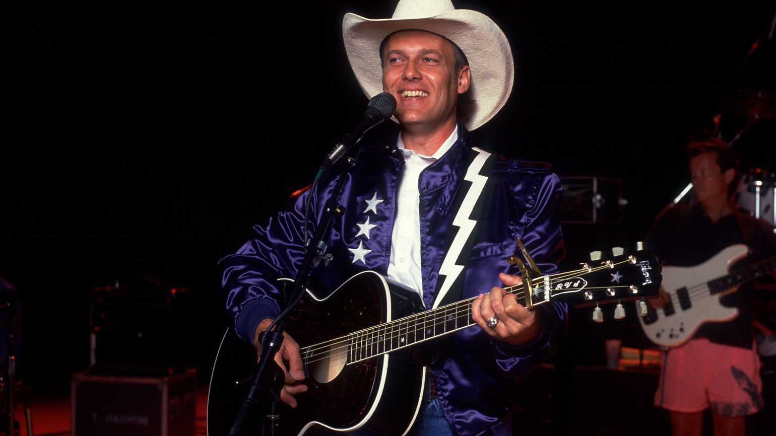 Rickie Van Shelton performing, Chicago, Illinois, August 2, 1988.
