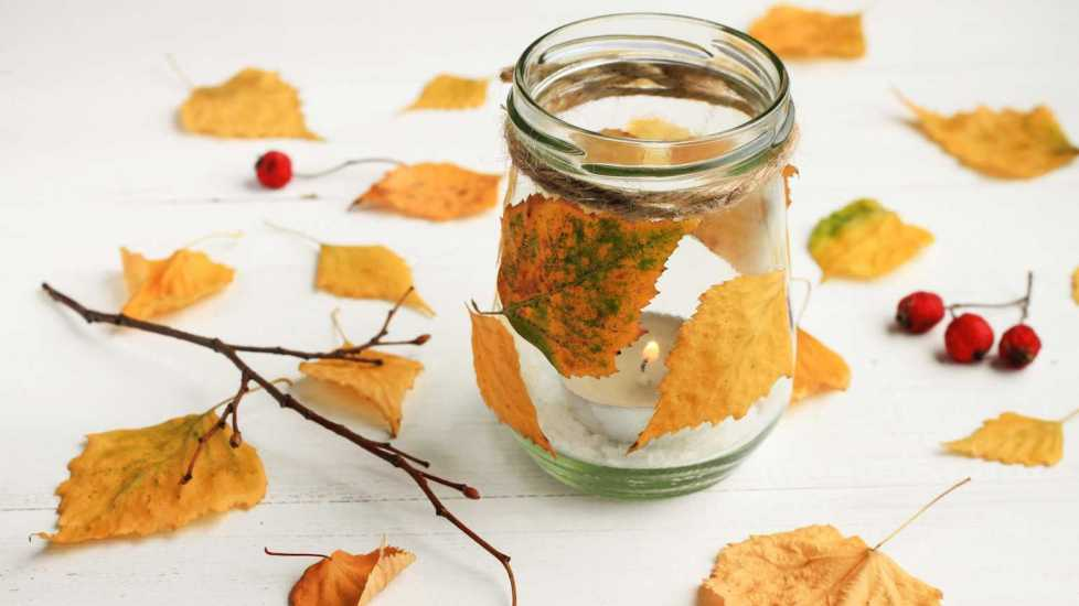 Autumn-themed DIY candle (Getty Images)