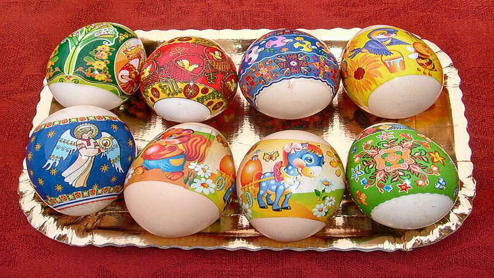 Eight Easter eggs from Italy