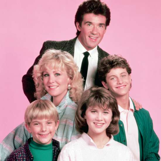 Alan Thicke as Jason Seaver with the cast of Growing Pains