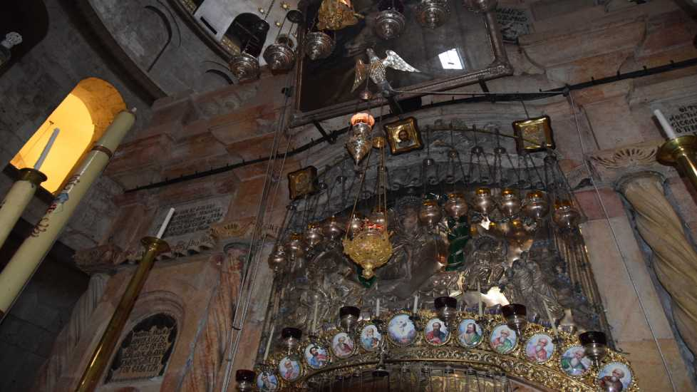 outside tomb of Jesus