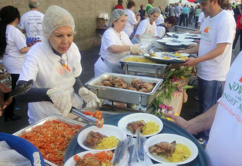 This Midnight Mission's outdoor lunch served about 2,000; photo courtesy Stephen Henderson