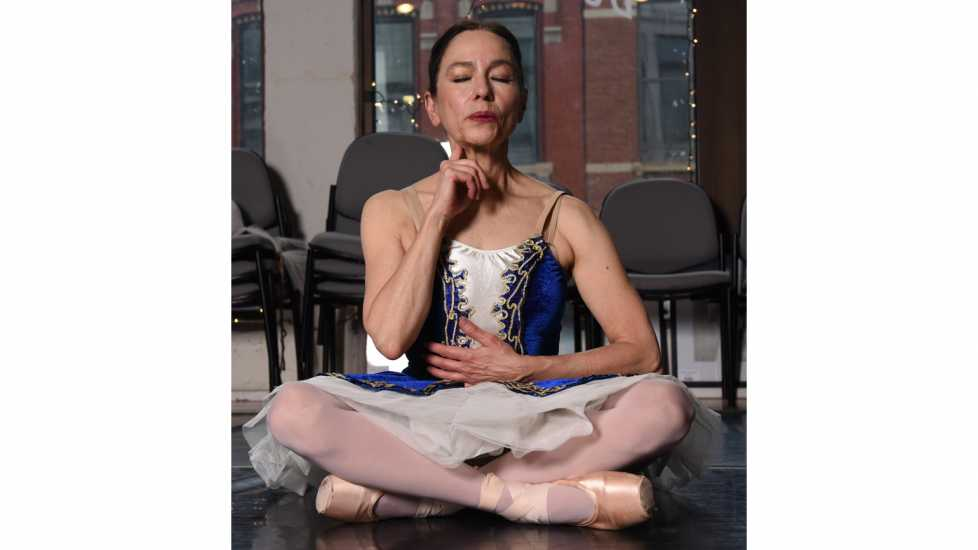 Tips on Coping with Pain: Ballet dancer Deborah Novak breathes slowly to relax through pain better living health wellness healing
