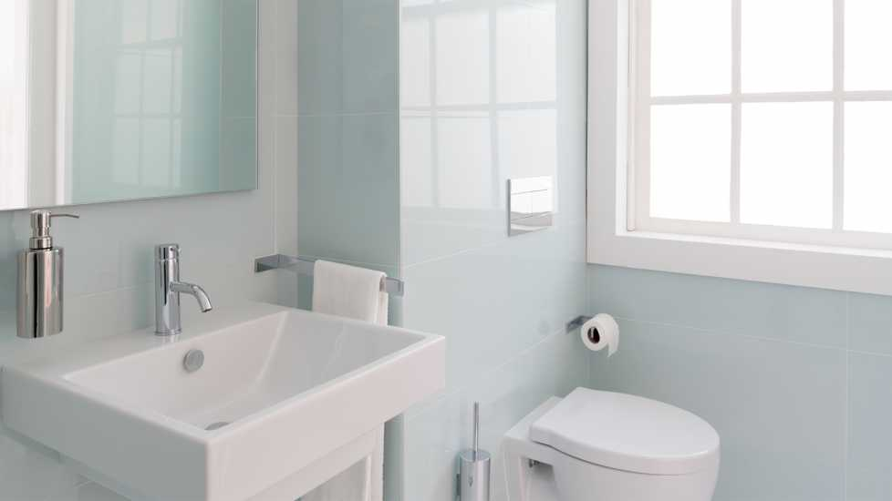 Spiritual Dream Symbols: bathrooms with sunlight pouring in through window. inspiration miracles