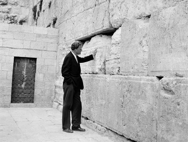 On March 17, 1960, Graham, while on an 18,000-mile tour of Africa and the Middle East, made a pilgrimage the Wailing Wall in Jerusalem.