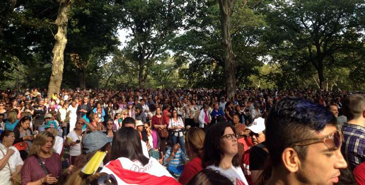 Guideposts: The crowd to see Pope Francis in Central Park, New York City