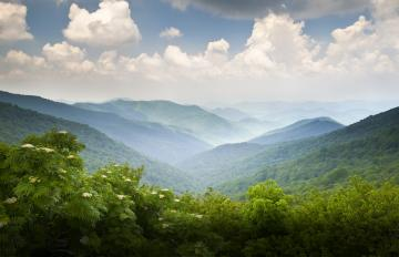 A mountain scene. Photo: Thinkstock.