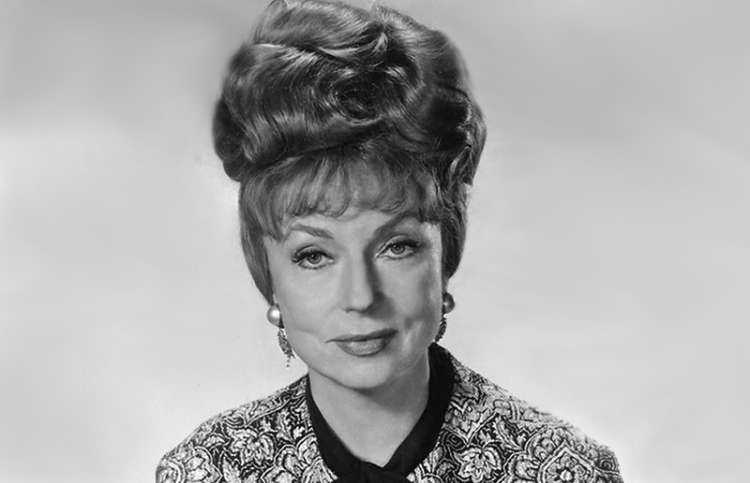 Guideposts: Agnes Moorehead, star of stage, silver screen and television