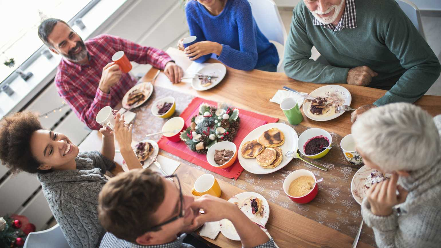 4 Ways to Make Family Gatherings Safe and Upbeat For People With Dementia