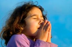 Child praying: Thinkstock