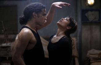 Reece Ritchie and Freida Pinto in Desert Dancer