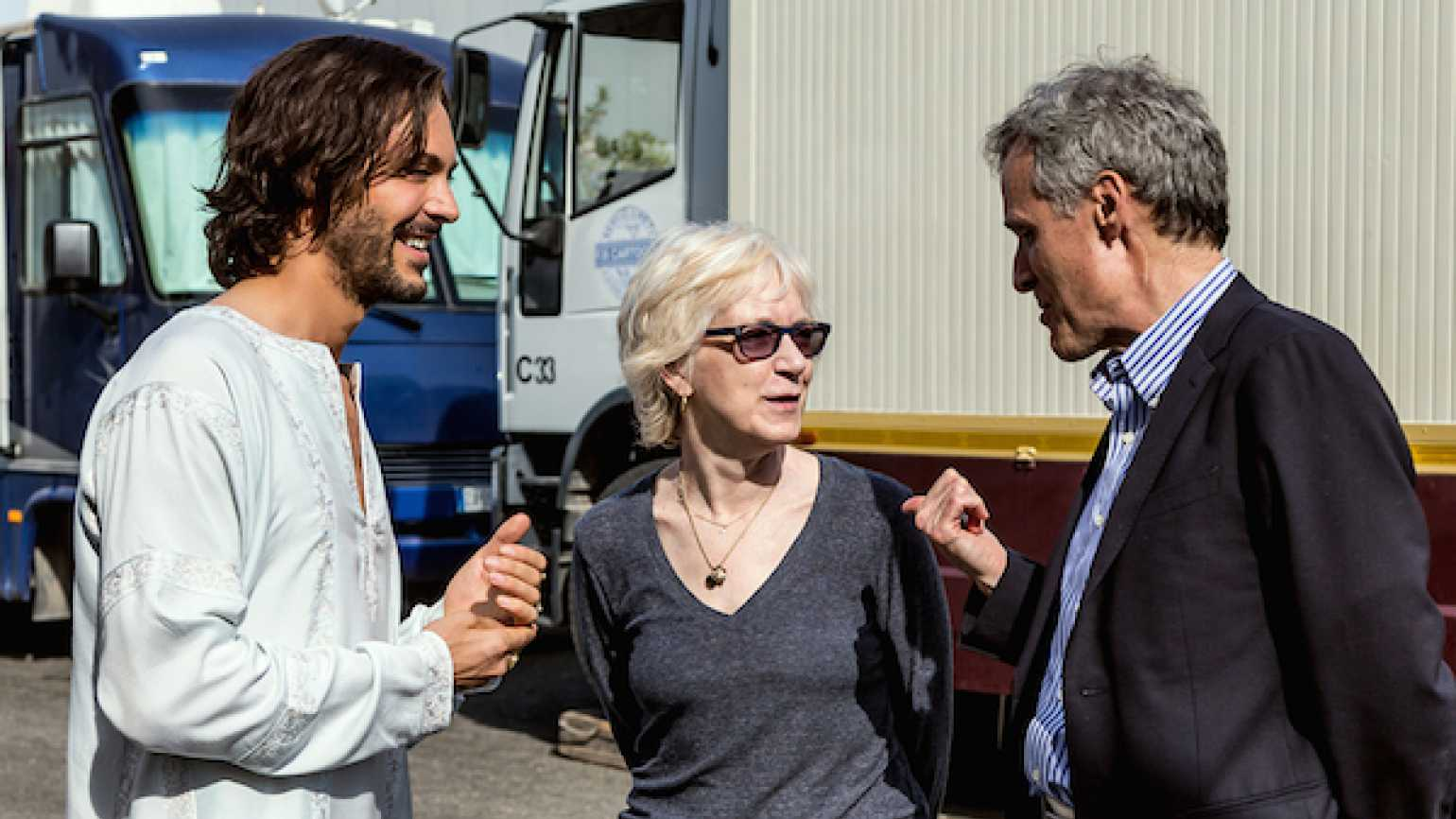 Jack Huston, Carol Wallace and Rick Hamlin on the set of Ben-Hur. Photo: Andrea DiLorenzo, © 2016 Paramount Pictures and Metro-Goldwyn-Mayer Pictures Inc. All Rights Reserved.