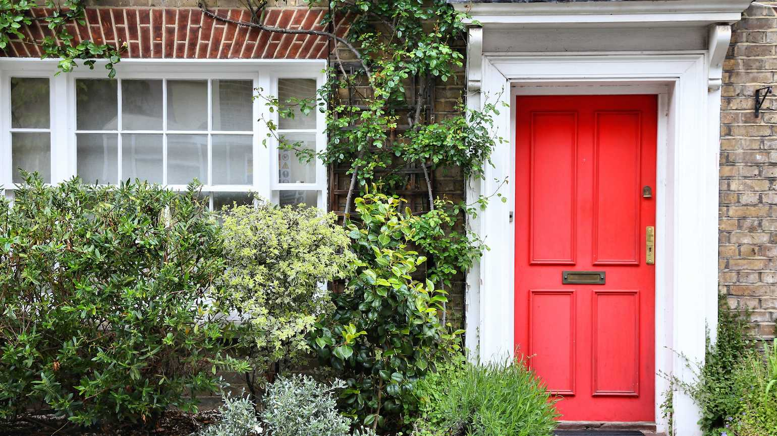 3 Easy, Inexpensive Ways to Spruce Up Your Home for Spring