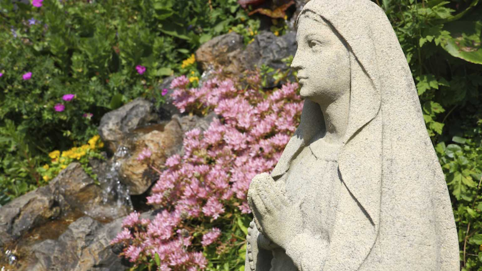 The Virgin Mary praying. Photo by John Kelly, Thinkstock.