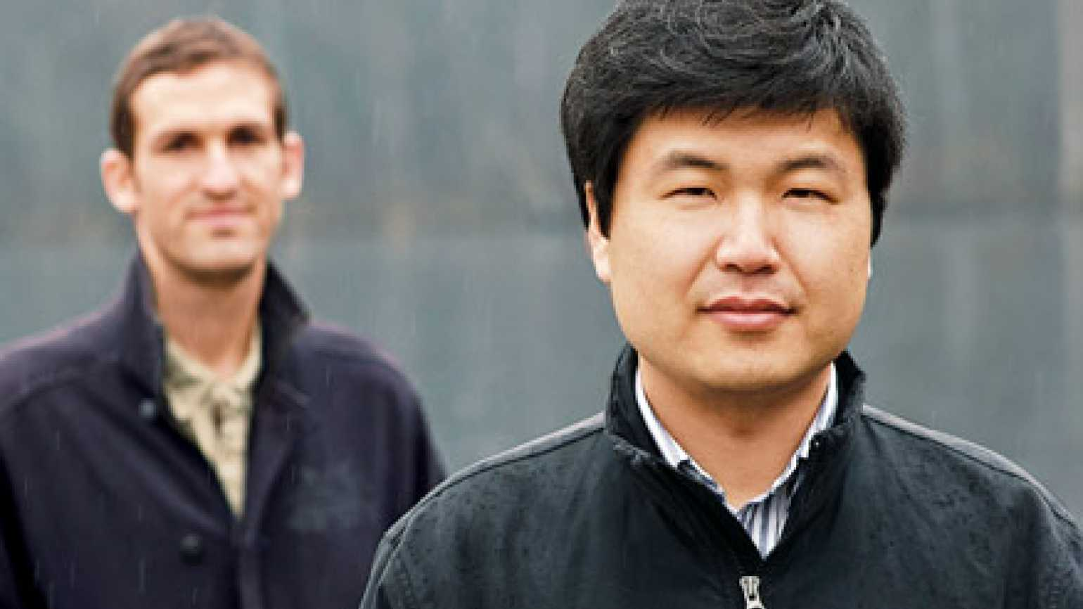 Haengso Hong (right) with his rescuer, Robert Fusté