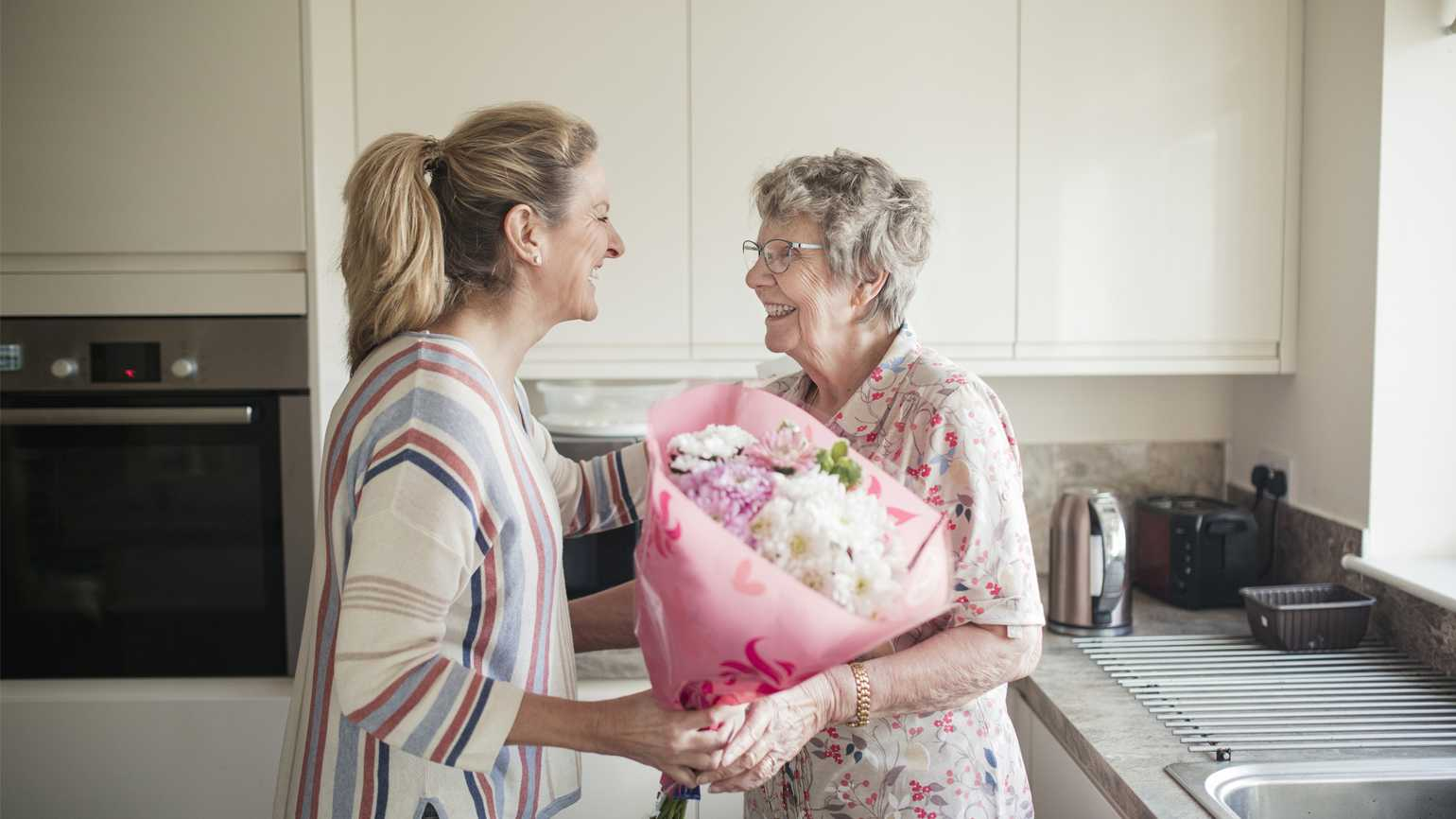 3 Tips for Visiting Someone with Alzheimer's