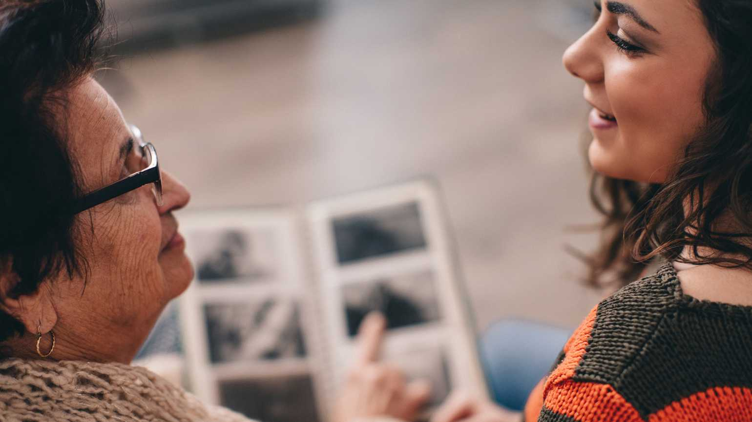 8 Ways to Share Memories with Someone Who Has Alzheimer's