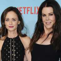 """Actresses Alexis Bledel and Lauren Graham attend the premiere of """"Gilmore Girls: A Year in the Life."""" Photo: Jason LaVeris/FilmMagic/Getty Images"""