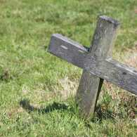 A lone wooden cross. Photo by Sarah Doow, Thinkstock.