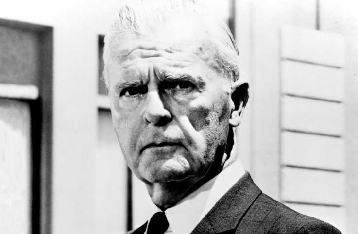 Actor Neil Hamilton as Commissioner Gordon
