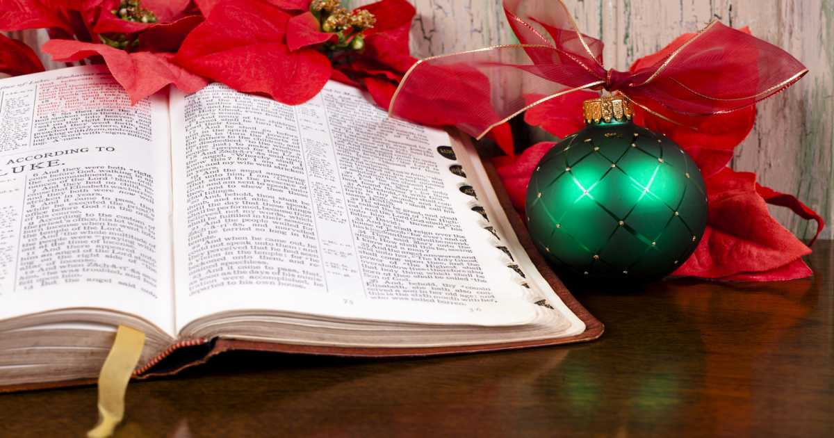 6 Christmas Bible Verses to Inspire Love and Peace | Guideposts
