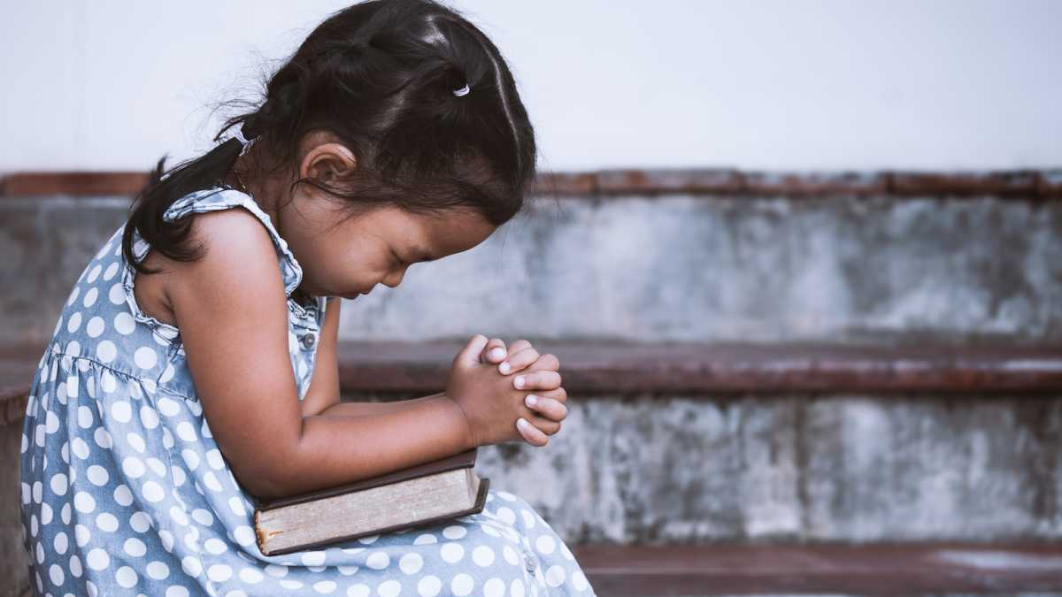 child praying images  3 Ways to Pray Like a Child | Guideposts