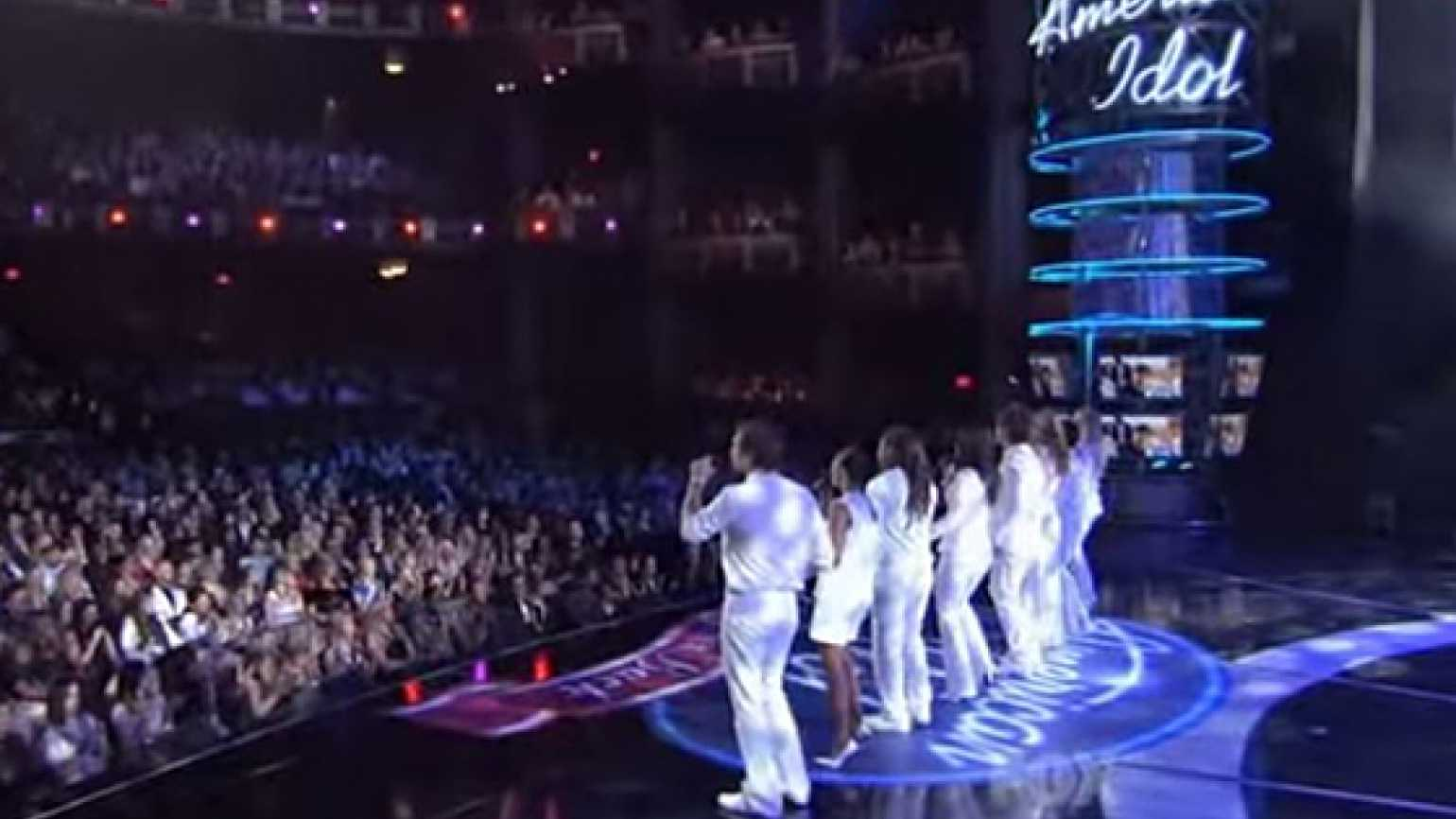 """Seven American Idol finalists perform """"Shout to the Lord."""""""