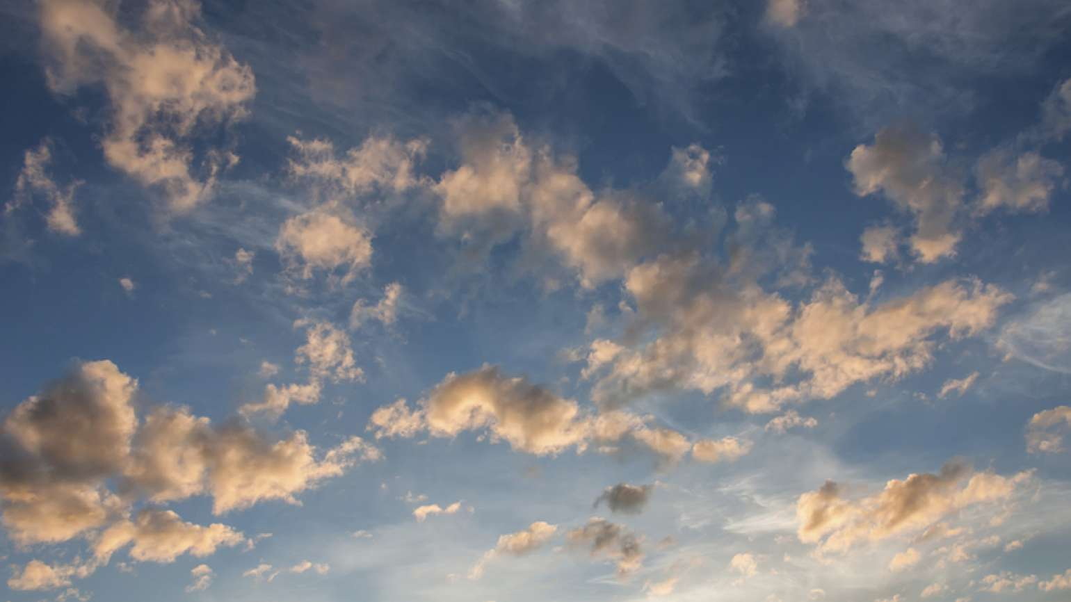 Clouds at sunset. Photo: Thinkstock.