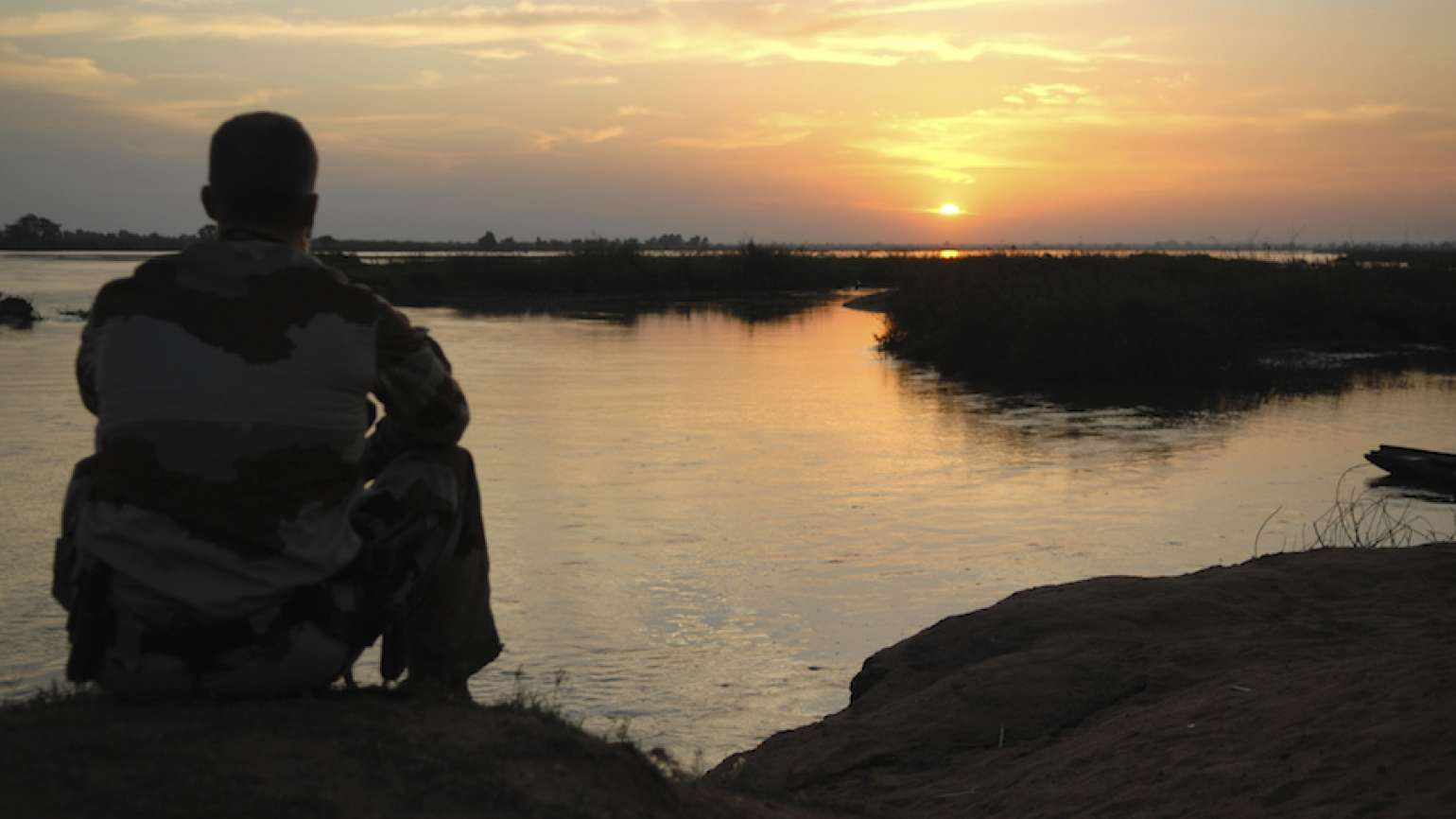 Soldier at sunset (Thinkstock)