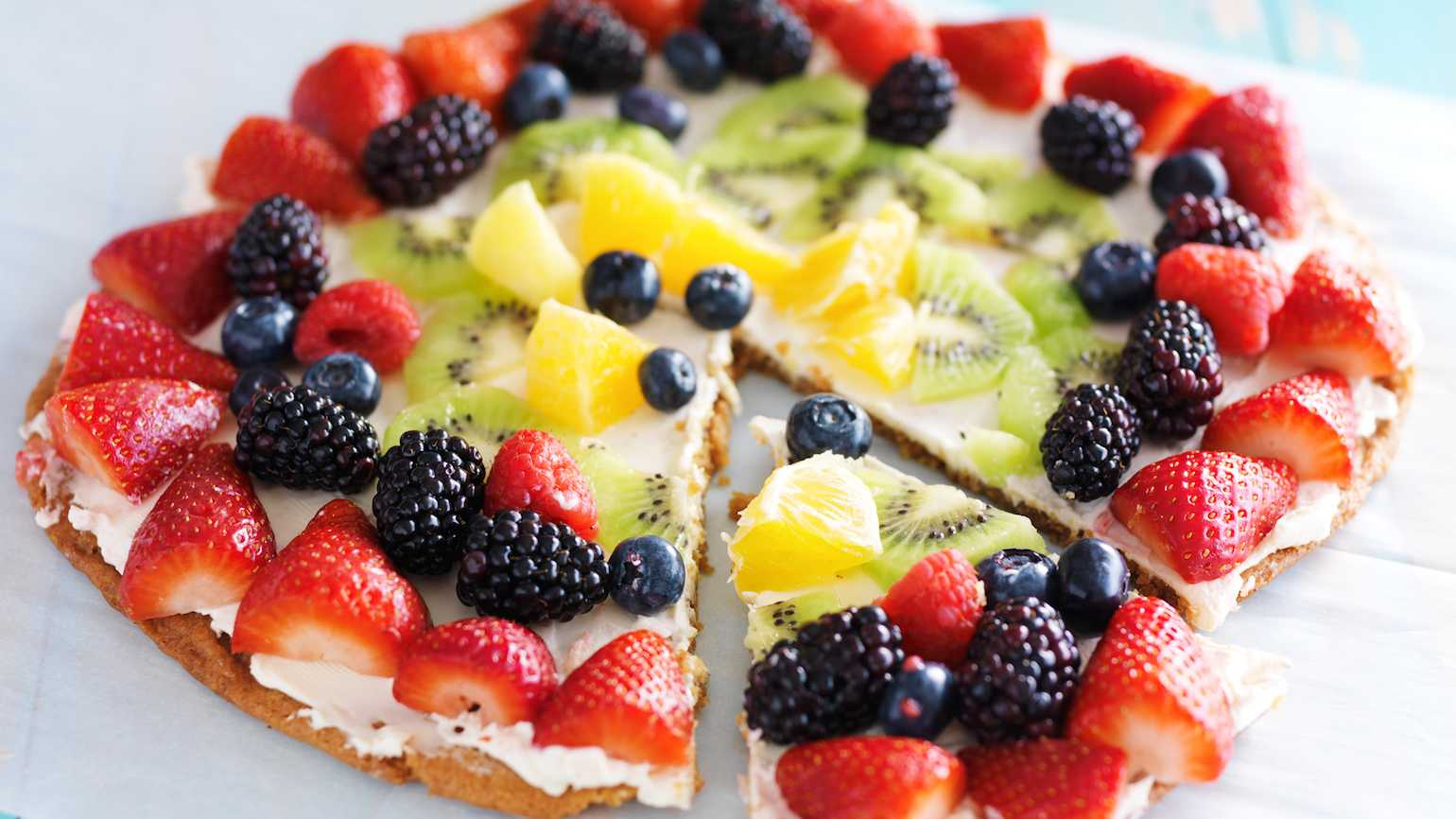 Summer fruit pizza