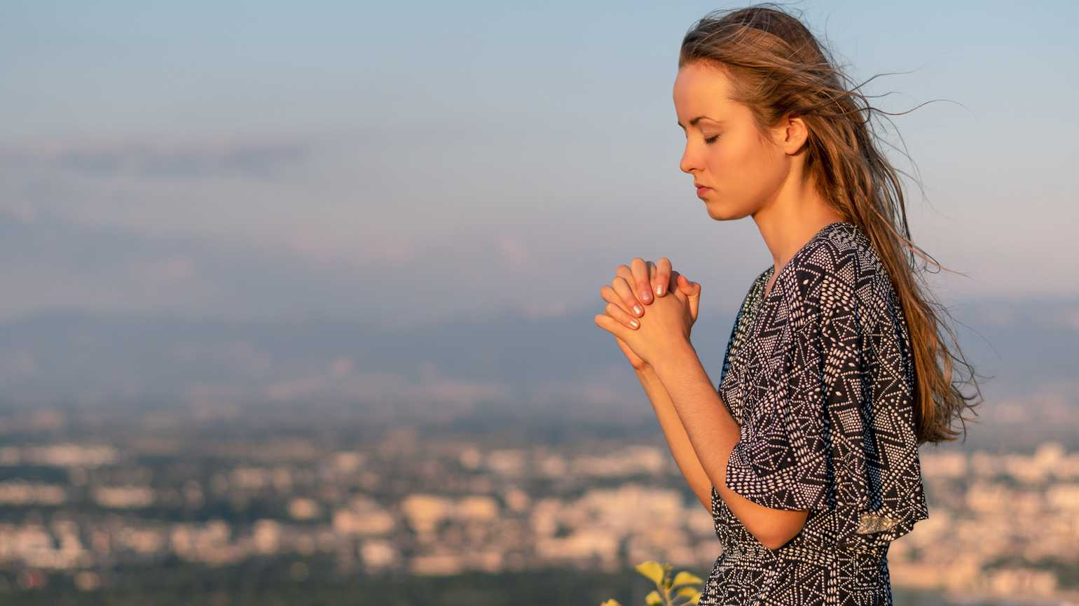 10 Ways to Pray Away Fear