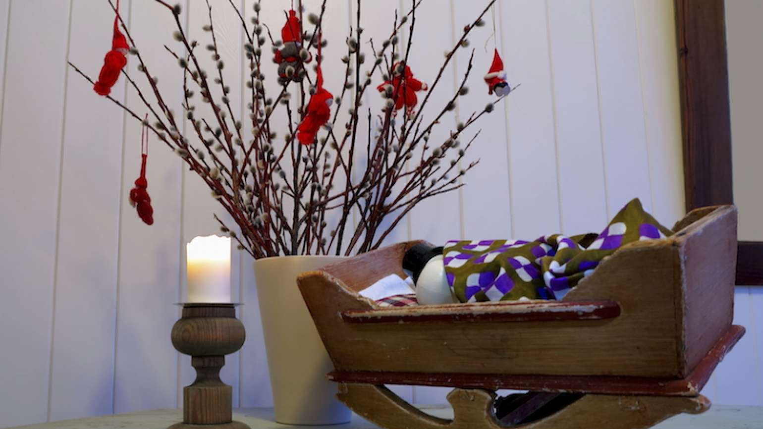 A Christmas cradle. Photo by Rolf Aasa, Thinkstock.