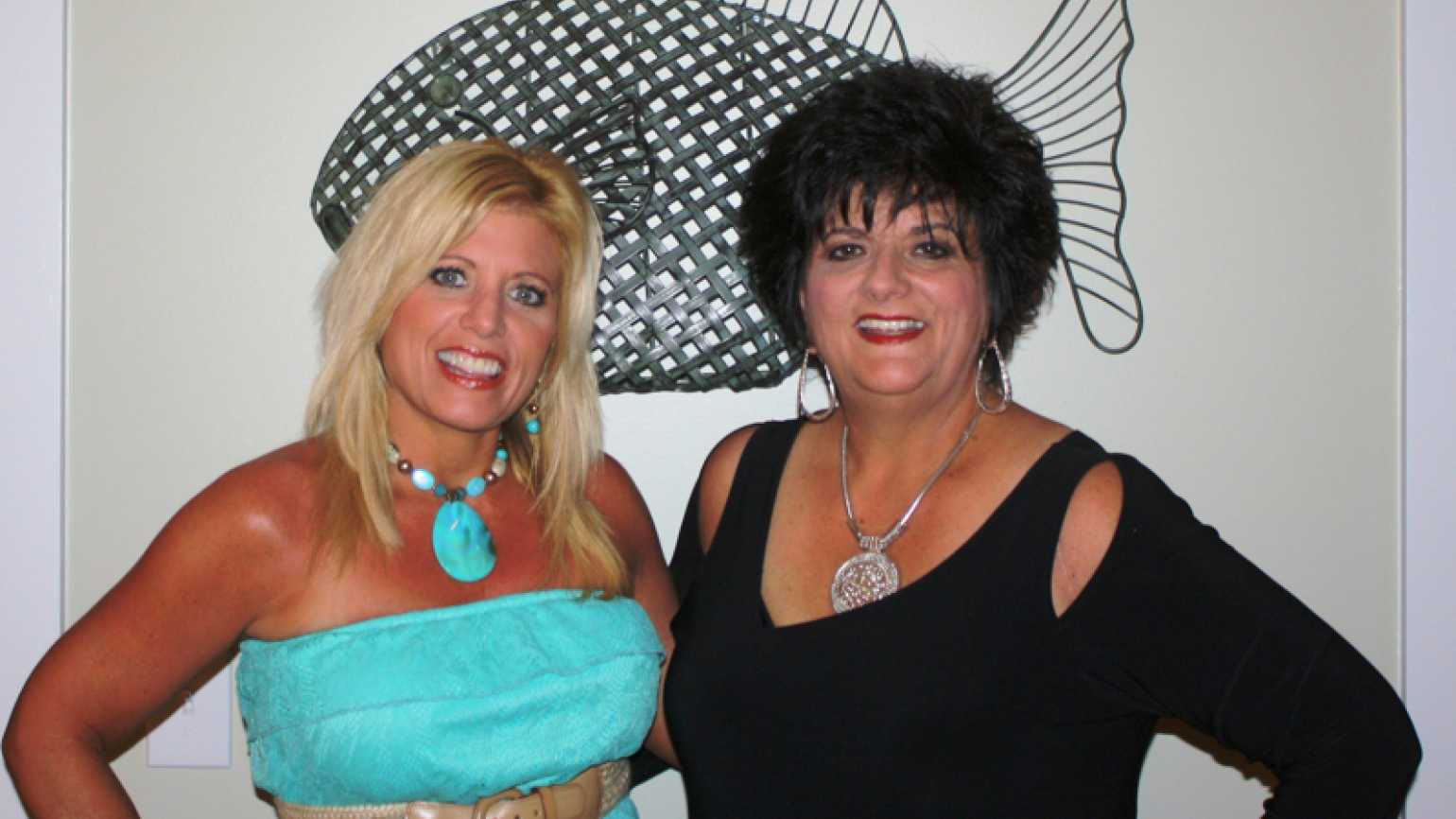 Inspirational Stories blogger Michelle Medlock Adams and her sister, Martie