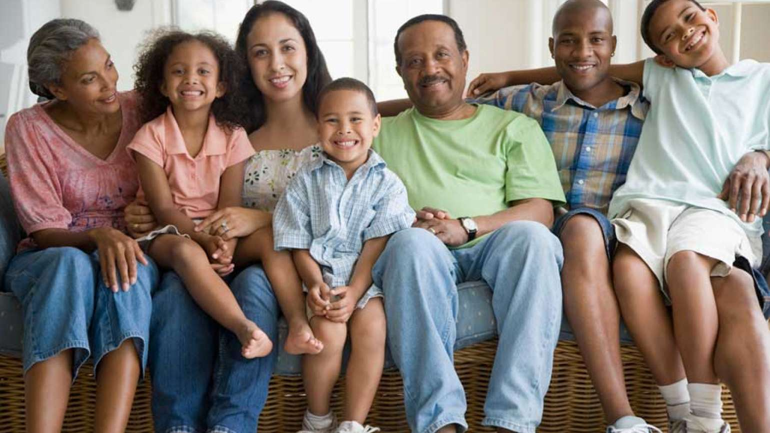Guideposts: Grandparents, parents and kids all gather to smile for the camera.