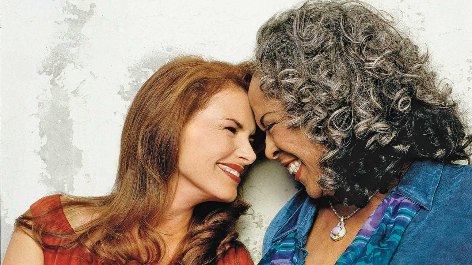 Roma Downey Remembers Her Real Life Angel Della Reese Guideposts