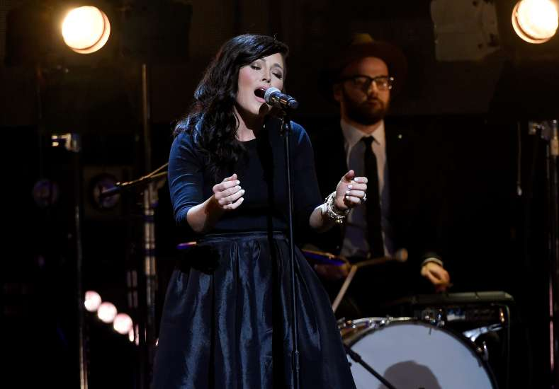 Kari Jobe performs at the K-LOVE Fan Awards