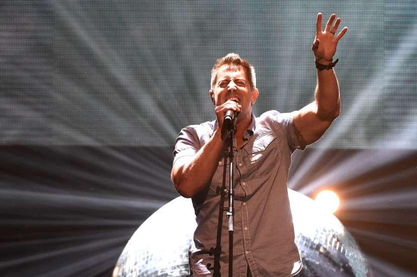 "Jeremy Camp performs his single ""He Knows"" at the K LOVE Fan Awards"
